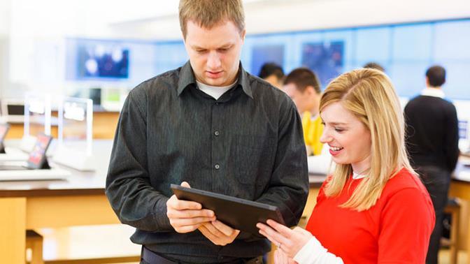 Uso de tablets para atender a los clientes